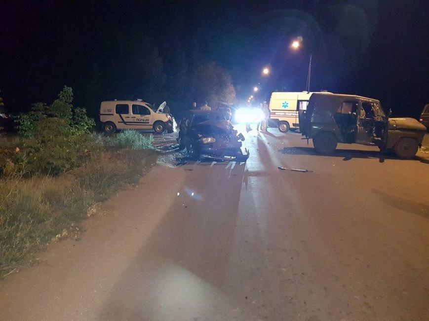 В Авдеевке произошло ДТП с участием военных и полиции (ФОТО), фото-4