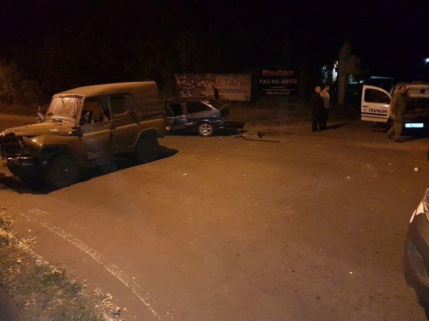 В Авдеевке произошло ДТП с участием военных и полиции (ФОТО), фото-6