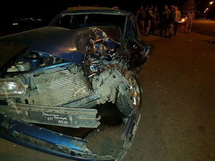 В Авдеевке произошло ДТП с участием военных и полиции (ФОТО), фото-1