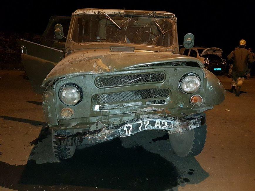 В Авдеевке произошло ДТП с участием военных и полиции (ФОТО), фото-3
