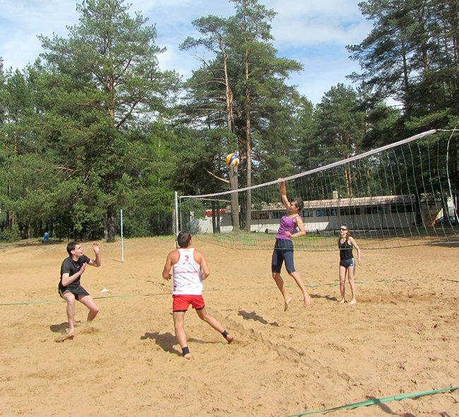 Учительница и секретарь-референт из Новополоцка мечтают создать в городе любительский женский клуб по волейболу, фото-2