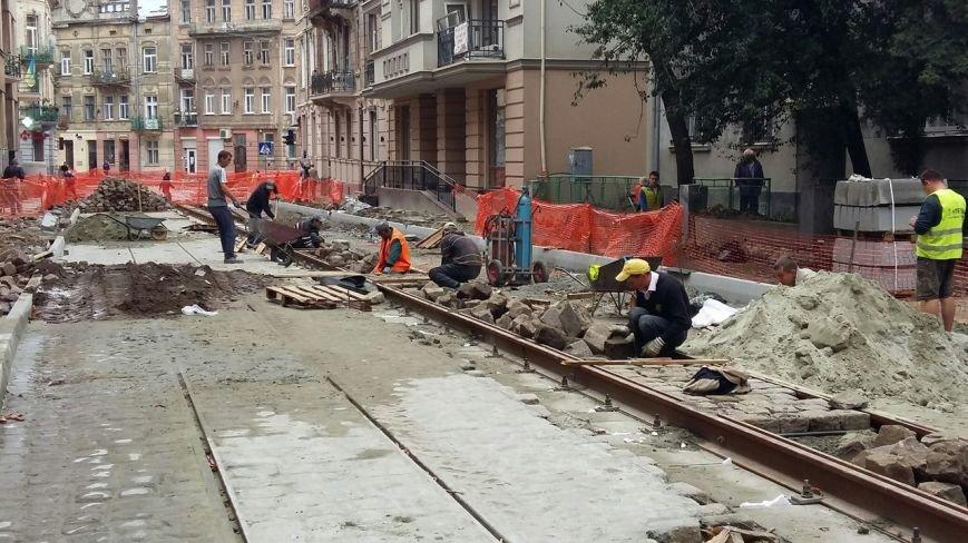 Як у Львові тривають ремонтні роботи на вулиці Русових (ФОТО,ВІДЕО), фото-8