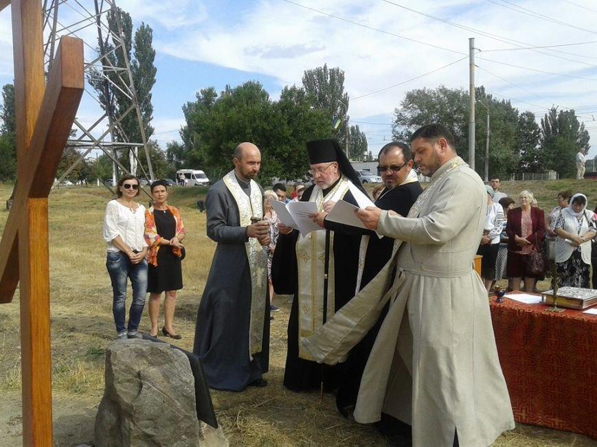 В Мариуполе заложили первый камень храма Украинской Греко-Католической Церкви (ФОТО), фото-3