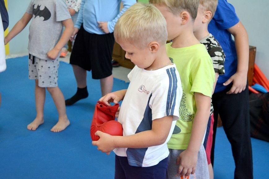 Что такое «рэй» и «хаджимэ»: Фоторепортаж с детской тренировки по каратэ в Новополоцке, фото-13