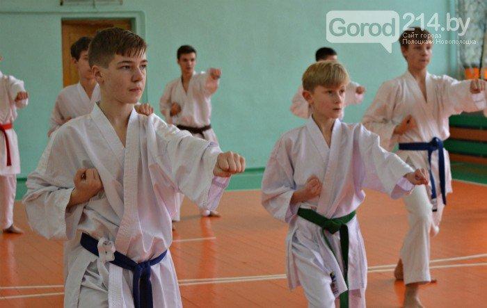Что такое «рэй» и «хаджимэ»: Фоторепортаж с детской тренировки по каратэ в Новополоцке, фото-18