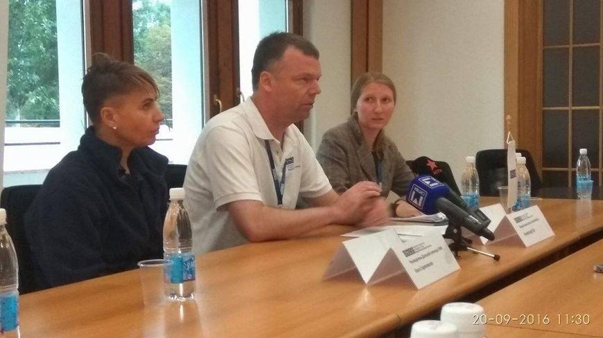 Александр Хуг в Мариуполе рассказал, как вчера встречался с Захарченко (ФОТО), фото-4