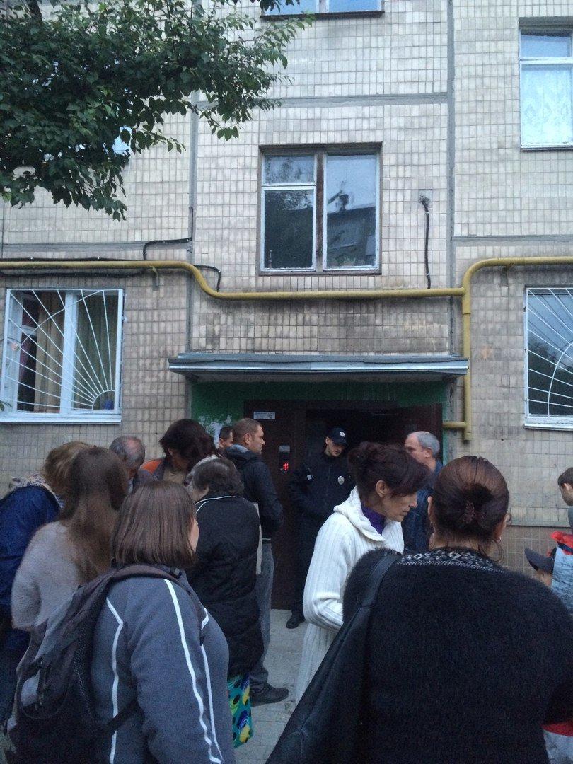 У житловому будинку, що на вул. Пасічній, 42 горіла квартира (ФОТО), фото-3