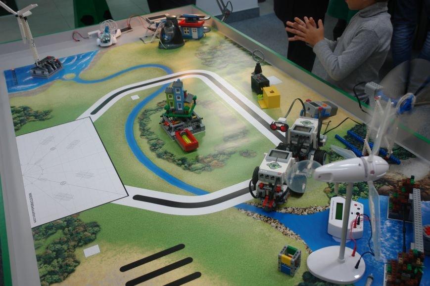 3D принтери, інтерактивна пісочниця та конструктори LEGO: в Івано-Франківську відкрили наукове містечко. Фото, відео, фото-2