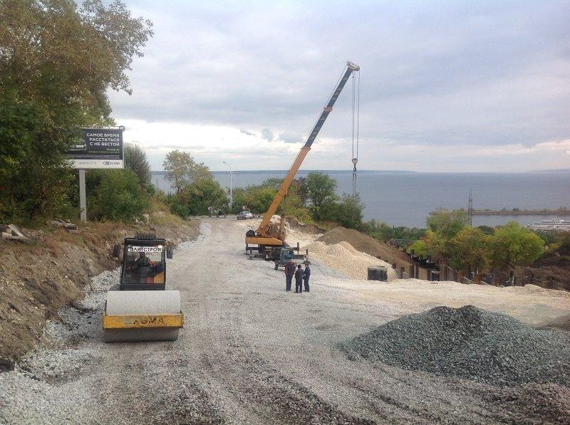 На оползневой зоне в Ульяновске ведется стройка. ФОТО, фото-2