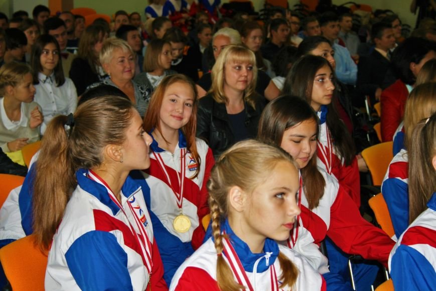 «Чемпионы с нашего двора»: школьники Троицка встретились со спортсменками, фото-10