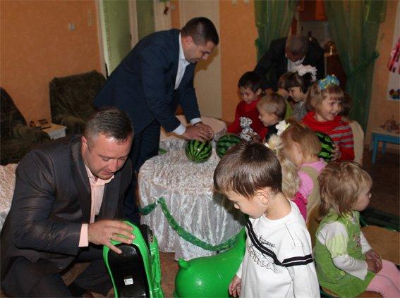 Полицейские посетили подопечных - детей, проживающих в областном Доме ребенка (ФОТО, ВИДЕО), фото-6