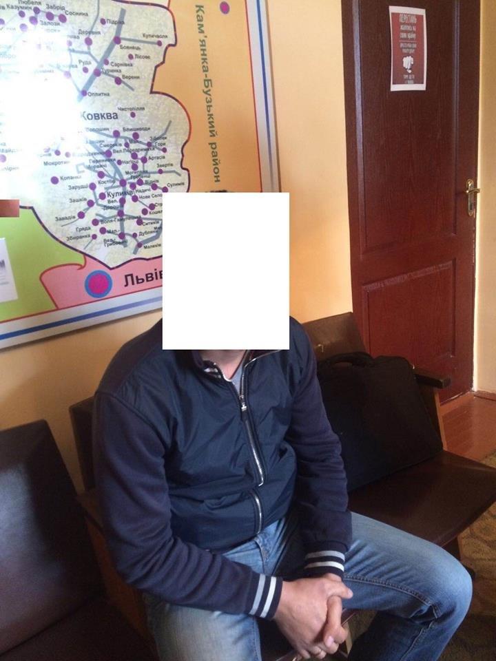 У Львові впіймали на хабарі інспектора Управління патрульної поліції, фото-3