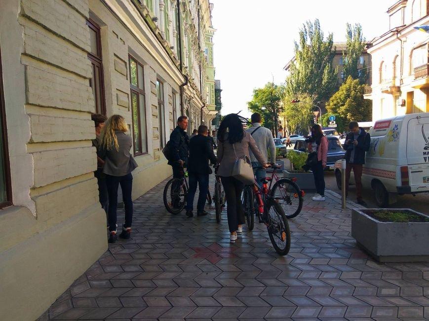 Мариупольские депутаты приехали на сессию горсовета на велосипедах (ФОТО), фото-7