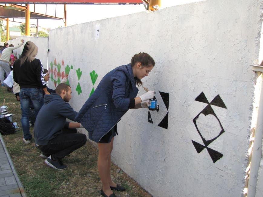 Патриоты украшают центральный проспект к Дню города, фото-1