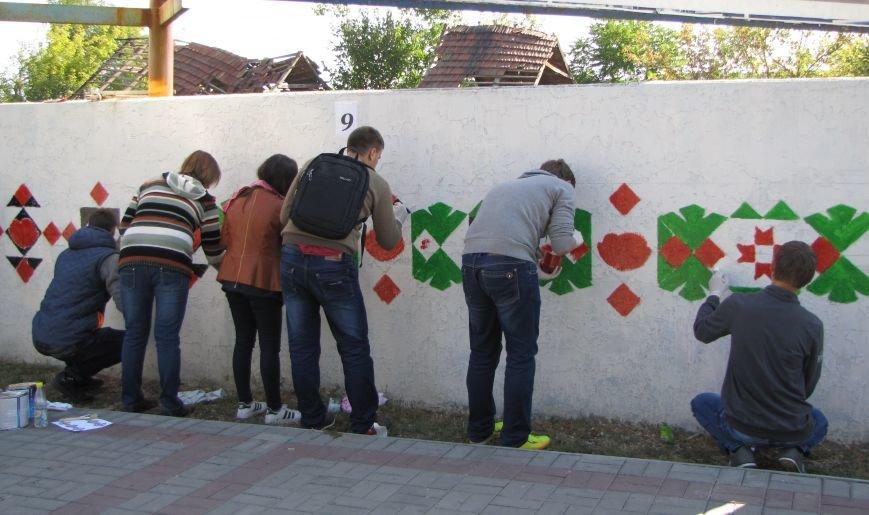 Патриоты украшают центральный проспект к Дню города, фото-7