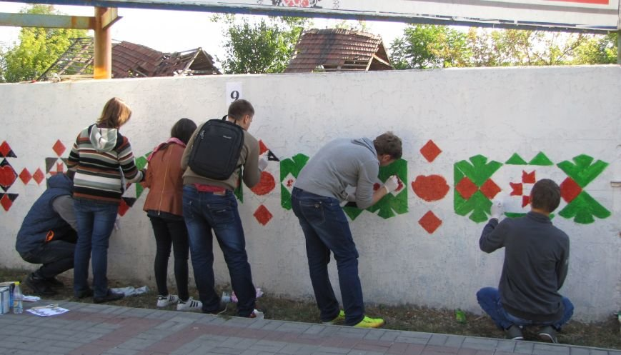 Патриоты украшают центральный проспект к Дню города, фото-6