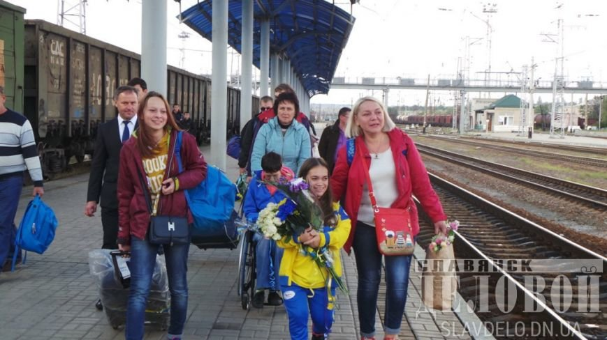 В Славянск вернулись призеры Паралимпийских игр (ФОТО), фото-4