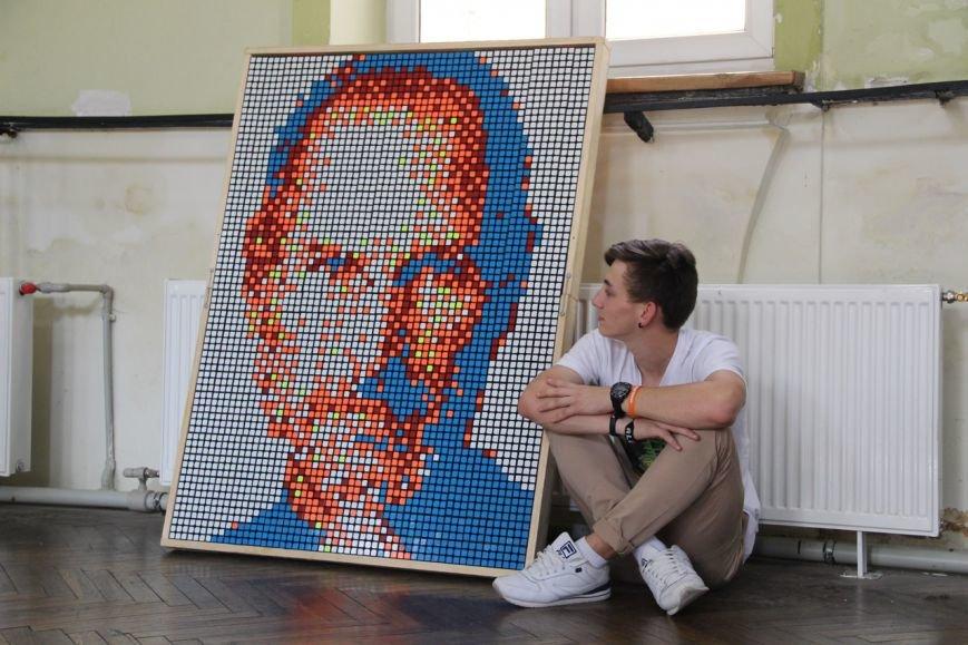 У Львові студент створив портрет Стіва Джобса із кубиків Рубика (ФОТО+ВІДЕО), фото-1