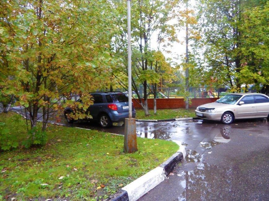 У Детской поликлиники в Троицке не хватает полноценной автостоянки, фото-3