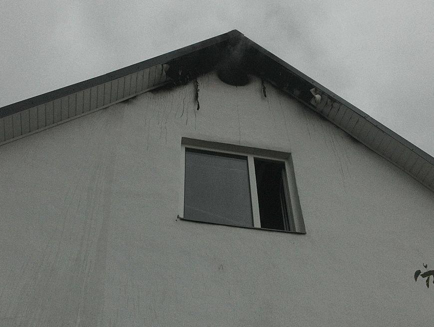 В Кременчуге загорелся жилой дом из-за неисправности дымохода (ФОТО), фото-2