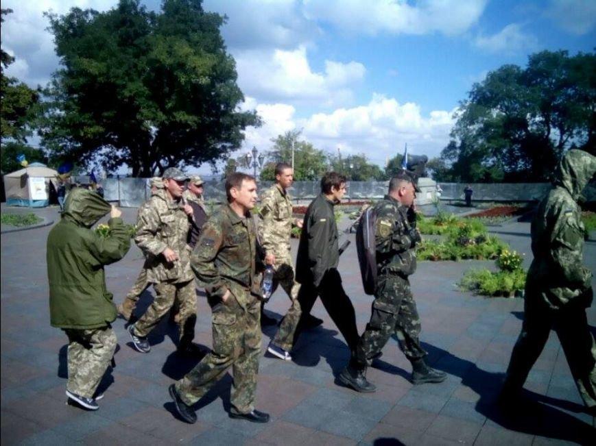 В центре Одессы новые столкновения: Попытка установить палатку закончилась дракой (ФОТО, ВИДЕО), фото-7