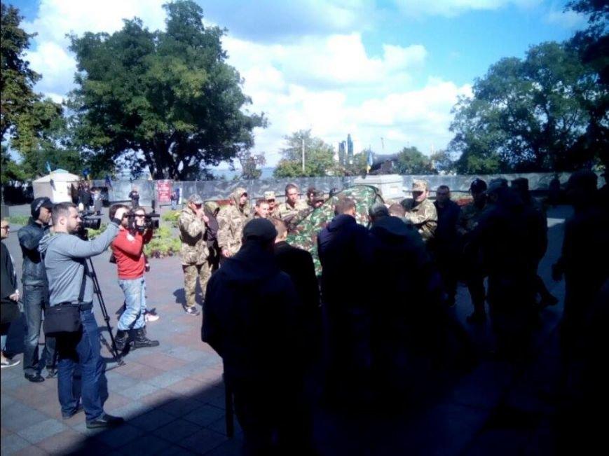В центре Одессы новые столкновения: Попытка установить палатку закончилась дракой (ФОТО, ВИДЕО), фото-8