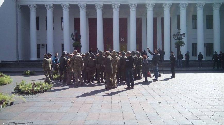 В центре Одессы новые столкновения: Попытка установить палатку закончилась дракой (ФОТО, ВИДЕО), фото-1