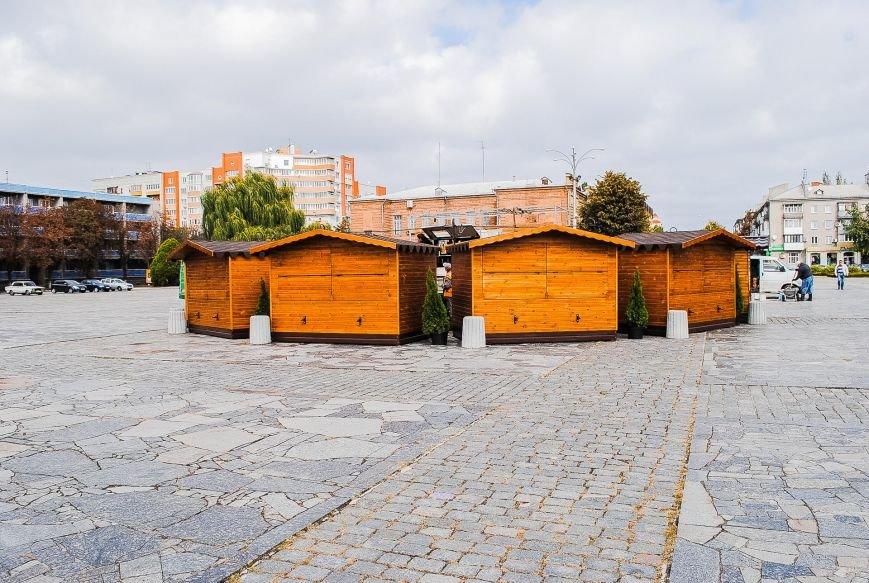 Огромная сцена и деревянные домики для торговли: как Кременчуг готовится к фестивалю сладостей, фото-2