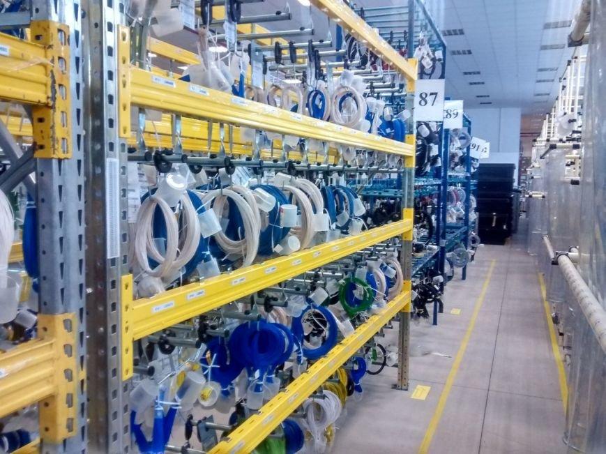 Франківцям показали виробництво електроніки для німецьких автомобілів. Фоторепортаж, фото-9