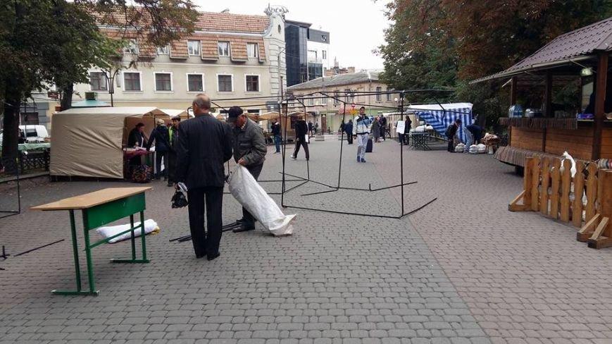 Жителі міста скаржаться на торгові МАФи в центрі. Фото, фото-3