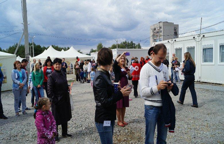 В Павлограде переселенцев кормили венскими сосисками, фото-3