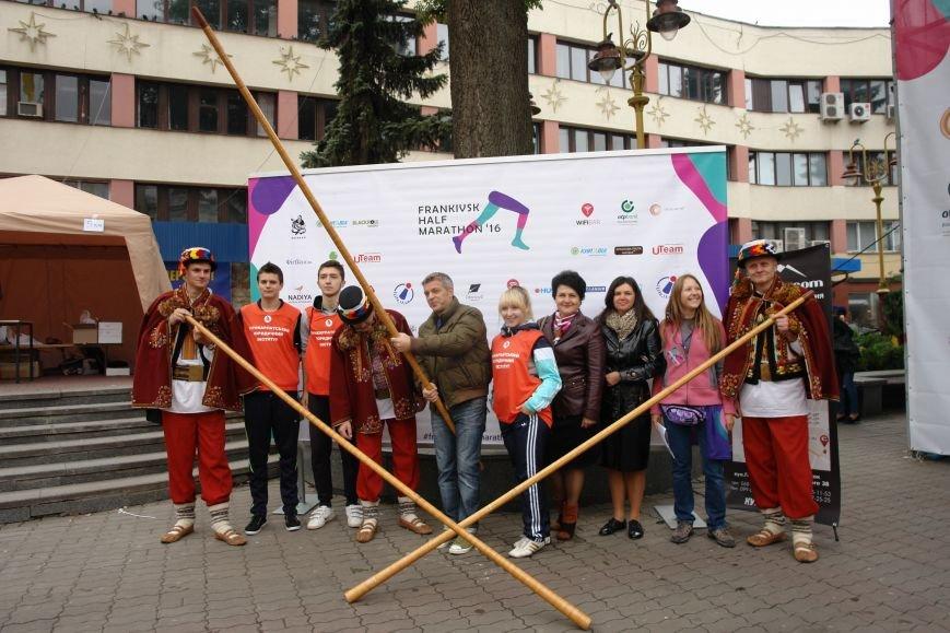 В Івано-Франківську відбувся щорічний півмарафон. Фоторепортаж, фото-16