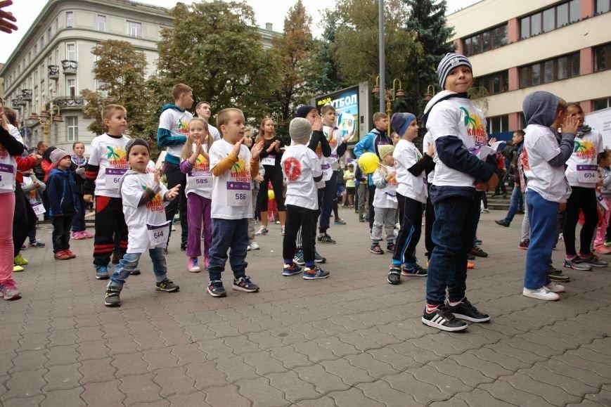 В Івано-Франківську відбувся щорічний півмарафон. Фоторепортаж, фото-22