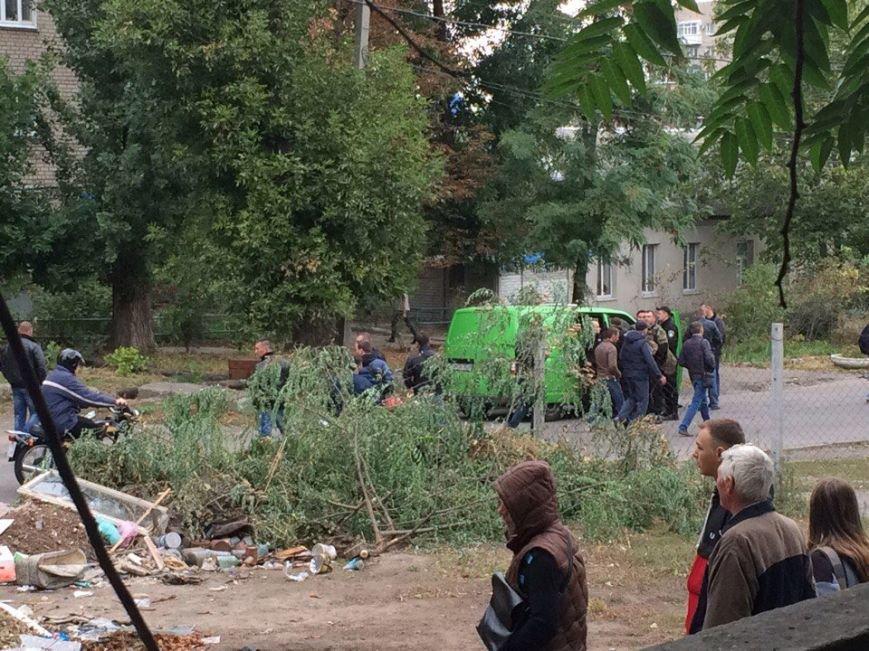 Полиция штурмовала квартиру в Днепре: убийцы полицейских там не оказалось (ФОТО), фото-2