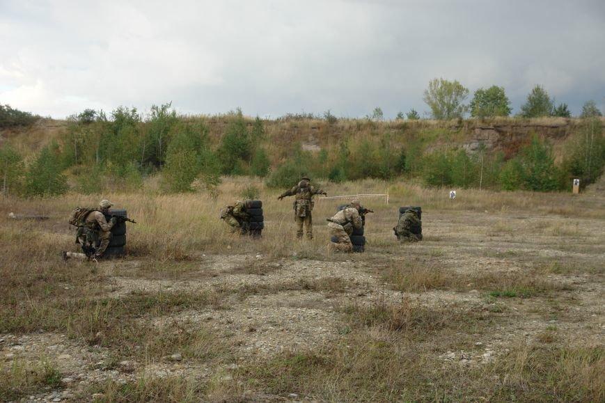 Як прикарпатські бійці АТО проходили бойовий вишкіл (ФОТОРЕПОРТАЖ), фото-11