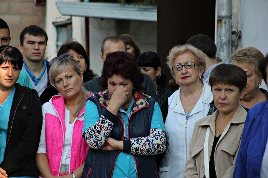 В Симферополе почтили память убитых год назад медиков (ФОТО), фото-5