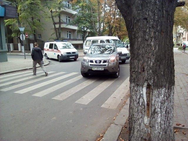 До уваги водіїв. На вул. Франка ускладнений рух транспорту. Фото, фото-3