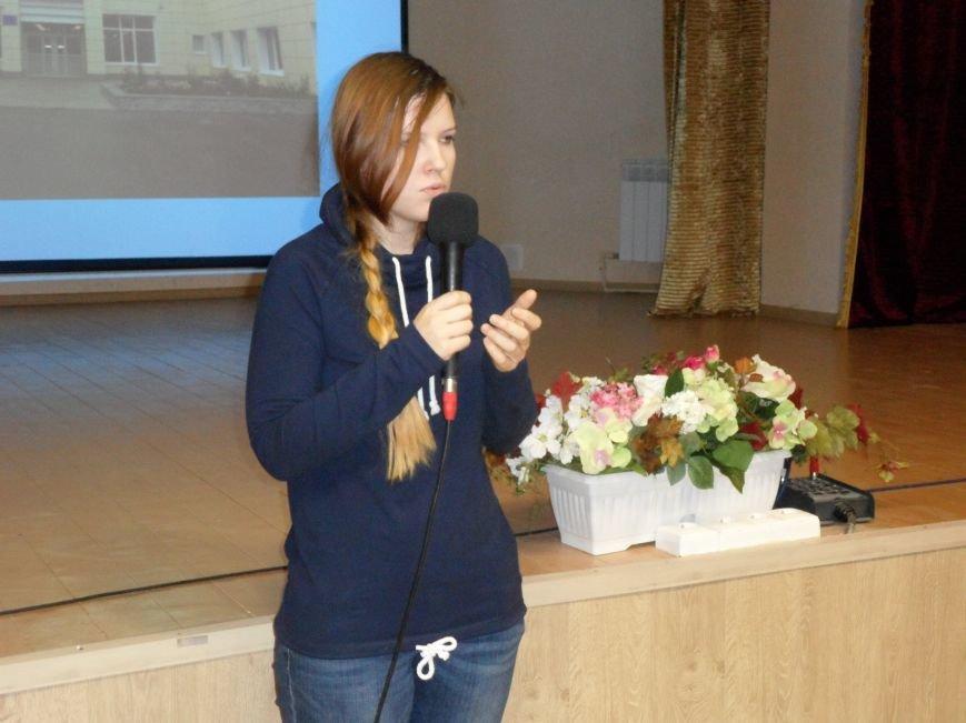 Спасатель-доброволец приехала в гости к ученикам СОШ № 6 Троицка Новой Москвы, фото-2