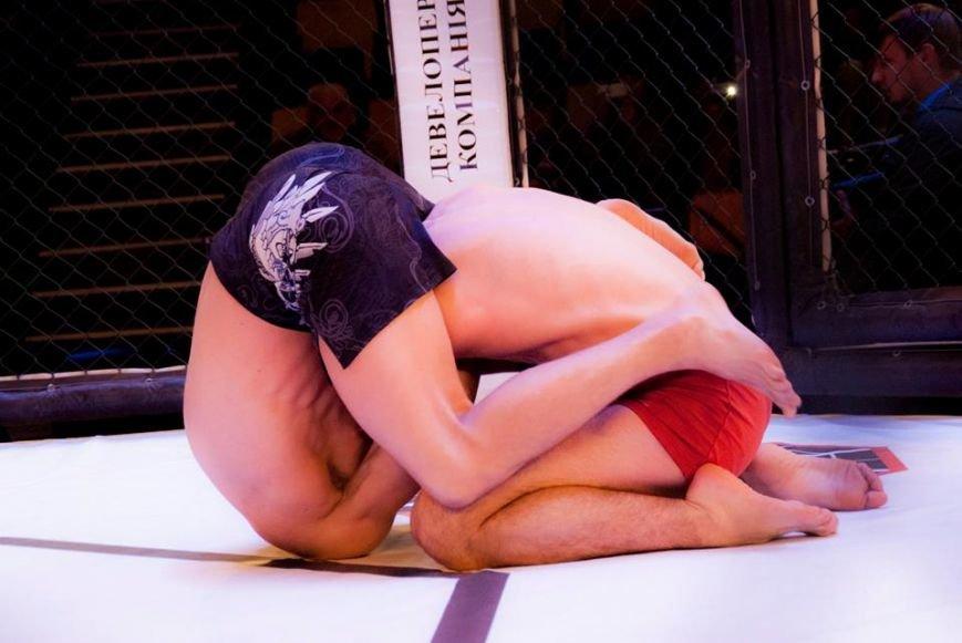 У Львові відбувся турнір зі змішаних єдиноборств: 15 яскравих фото про те, як це було (ФОТОРЕПОРТАЖ), фото-10
