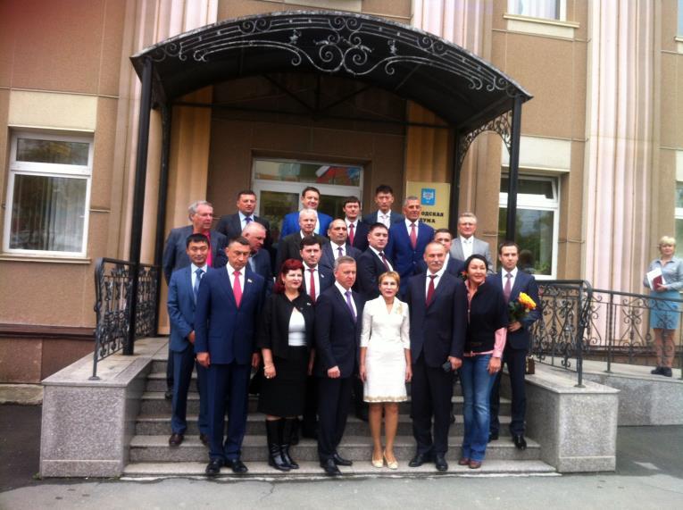 Председатель Южно-Сахалинской Думы покинул свой пост в торжественной обстановке, фото-1