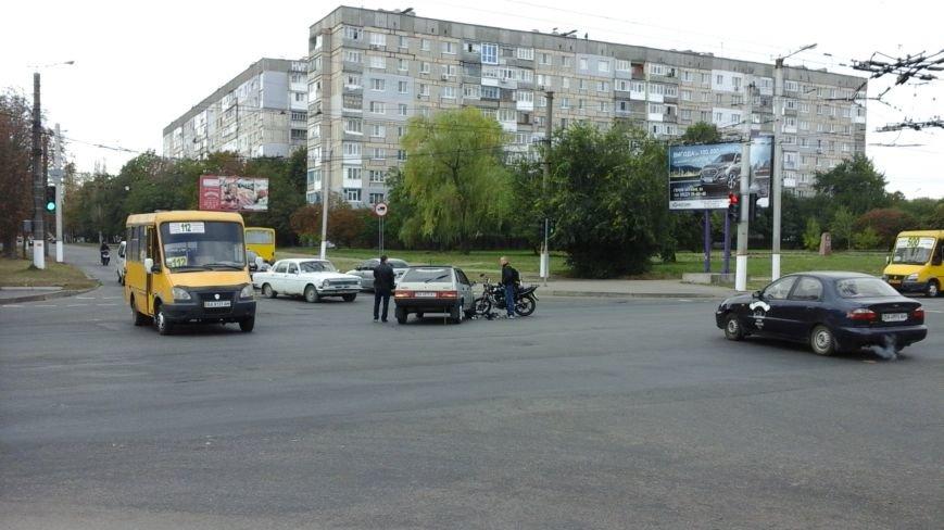 "ДТП в Кропивницком: ""ВАЗ"" столкнулся с мотоциклом (ФОТО), фото-1"