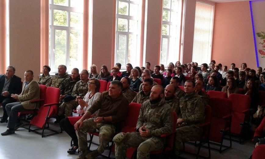 В Авдеевке проходит  творческая встреча Богдана Бенюка с авдеевскими школьниками (ВИДЕО/ФОТО), фото-11