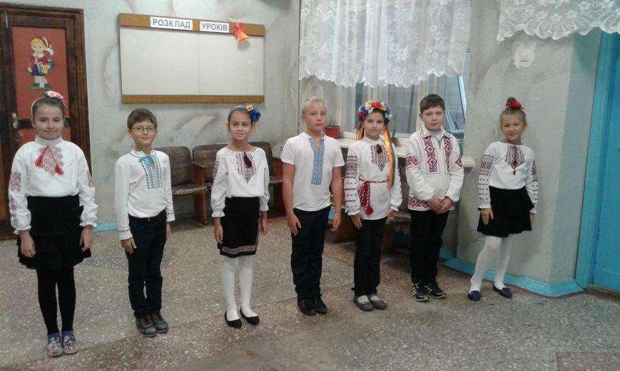 В Авдеевке проходит  творческая встреча Богдана Бенюка с авдеевскими школьниками (ВИДЕО/ФОТО), фото-3
