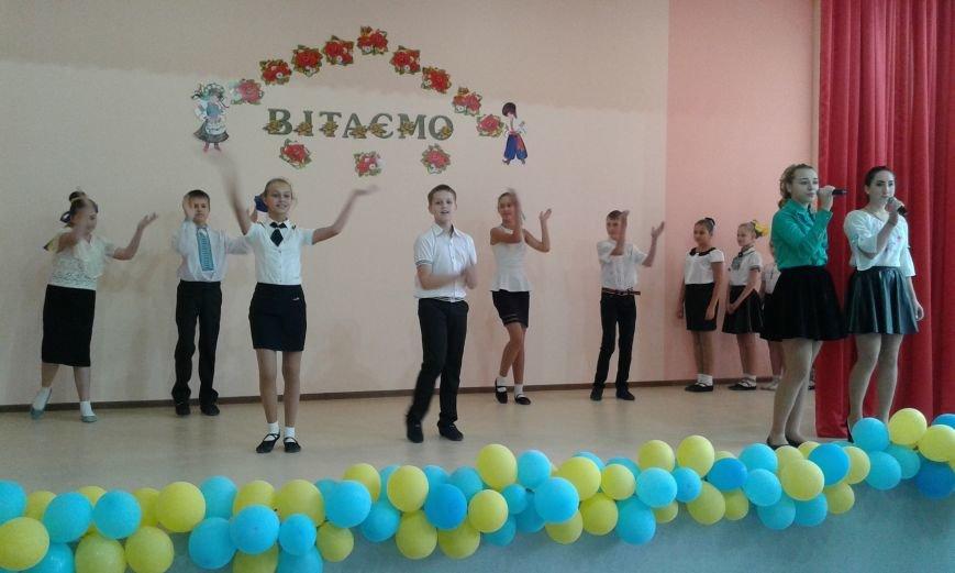 В Авдеевке проходит  творческая встреча Богдана Бенюка с авдеевскими школьниками (ВИДЕО/ФОТО), фото-9