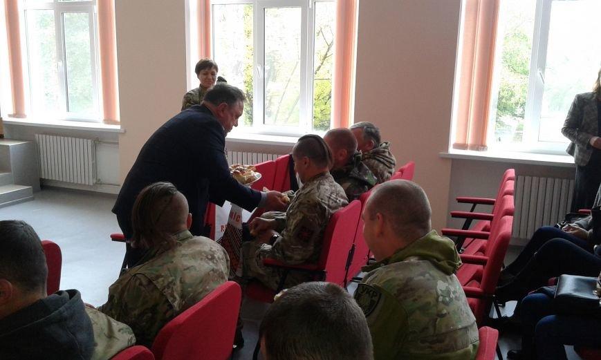 В Авдеевке проходит  творческая встреча Богдана Бенюка с авдеевскими школьниками (ВИДЕО/ФОТО), фото-7