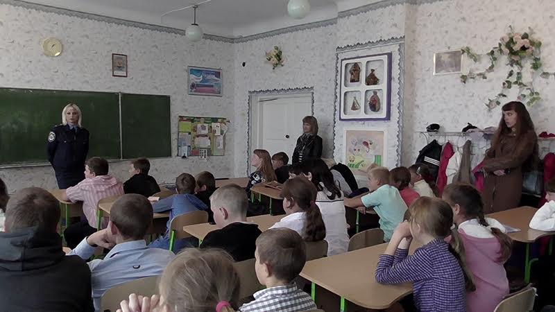 Школьникам из прифронтовых сел под Мариуполем полицейские показали боевое оружие (Фотофакт), фото-1