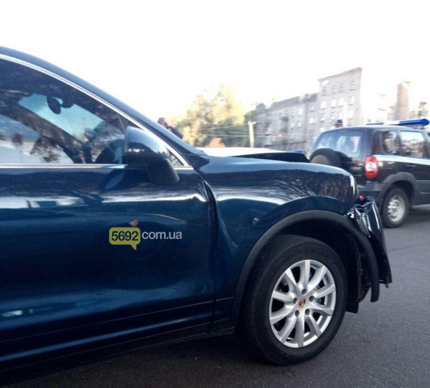 Машина с депутатом облсовета попала в ДТП в центре Каменского, фото-1