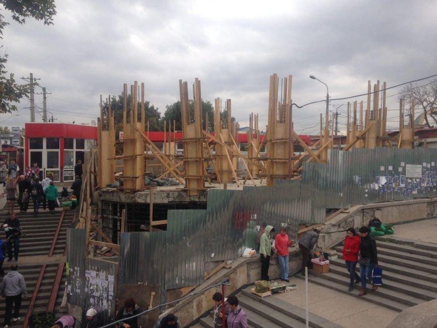 Стройка двухэтажной аптеки на центральном рынке опять замерла (ФОТОФАКТ), фото-2