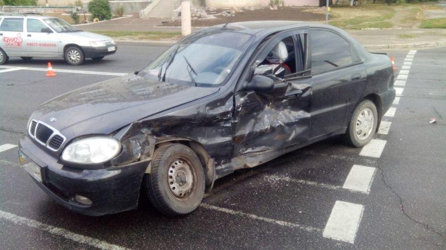 В Кропивницком произошло серьезное ДТП: пострадало два человека (ФОТО), фото-3