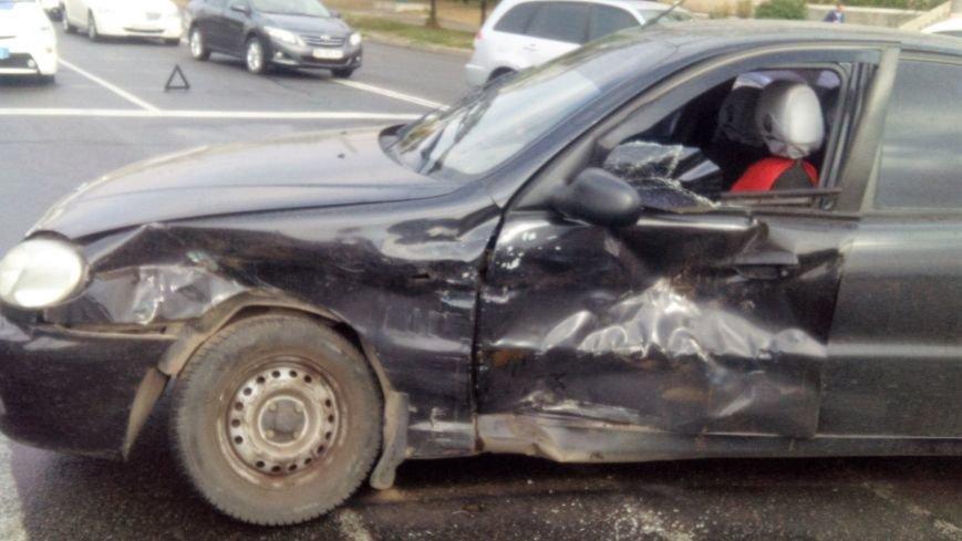 В Кропивницком произошло серьезное ДТП: пострадало два человека (ФОТО), фото-2